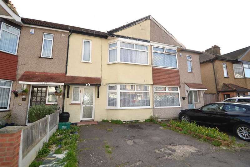 3 Bedrooms Terraced House for sale in Trelawney Road, Hainault, Ilford