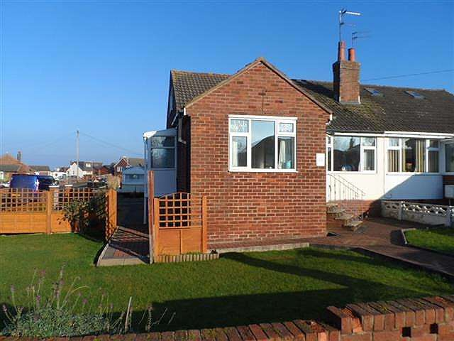 2 Bedrooms Property for sale in Links Road, Knott End, FY6 0DG