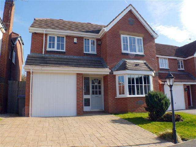 5 Bedrooms Detached House for sale in Plovers Way, Blackpool, FY3 8FD