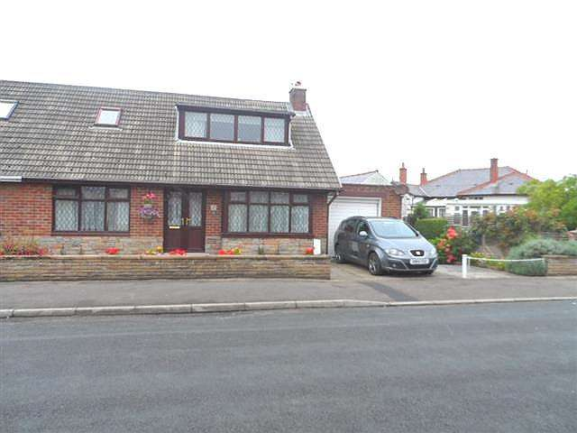 3 Bedrooms Property for sale in St Bernards Road, Knott End On Sea, FY6 0AW