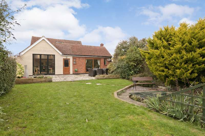 5 Bedrooms Detached Bungalow for sale in Tally Ho Road, Shadoxhurst, Ashford, TN26