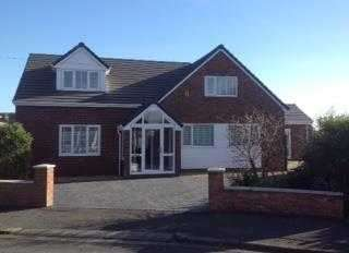 6 Bedrooms Detached House for sale in Meadows View, Marford, Wrexham