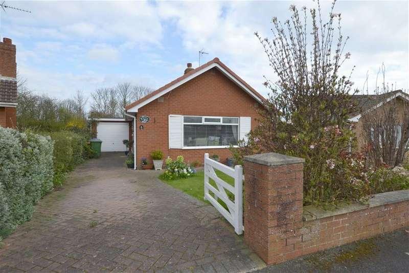 2 Bedrooms Detached Bungalow for sale in Kestrel Drive, Bridlington, East Yorkshire, YO16