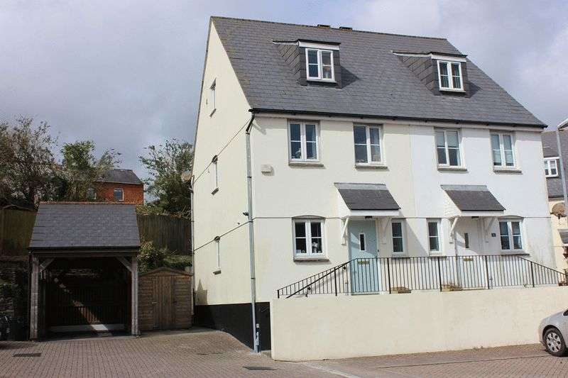 3 Bedrooms Semi Detached House for sale in Lovering Road, St Austell