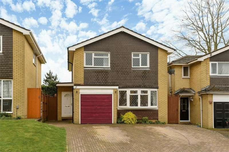 4 Bedrooms Detached House for sale in Frimley Green, Camberley, Surrey