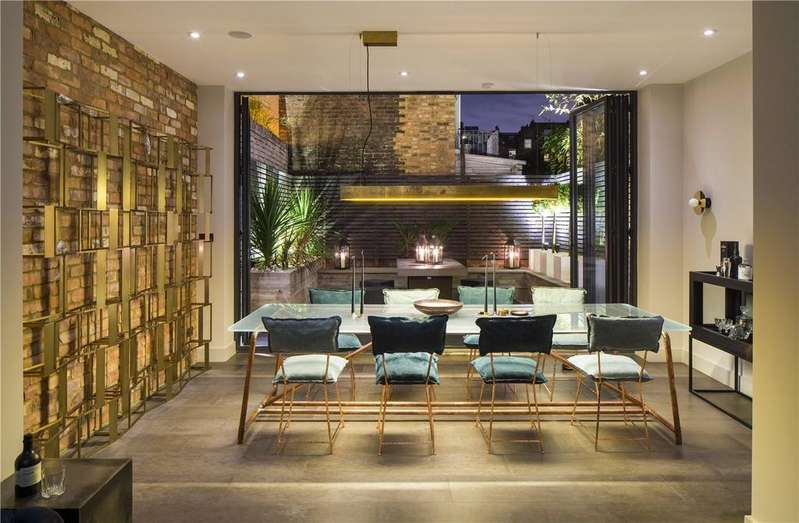 4 Bedrooms House for sale in Chalcot Road, Primrose Hill, London, NW1