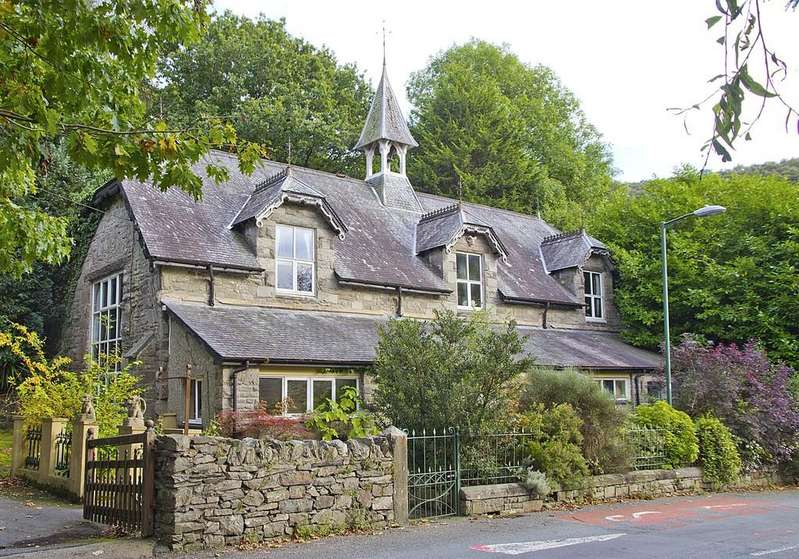 4 Bedrooms Detached House for sale in Maentwrog, Blaenau Ffestiniog, North Wales