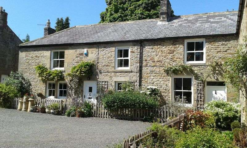 4 Bedrooms Semi Detached House for sale in Humshaugh, Hexham