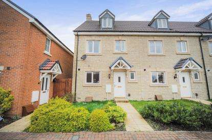 4 Bedrooms Terraced House for sale in Trowbridge Close, Swindon, Wiltshire