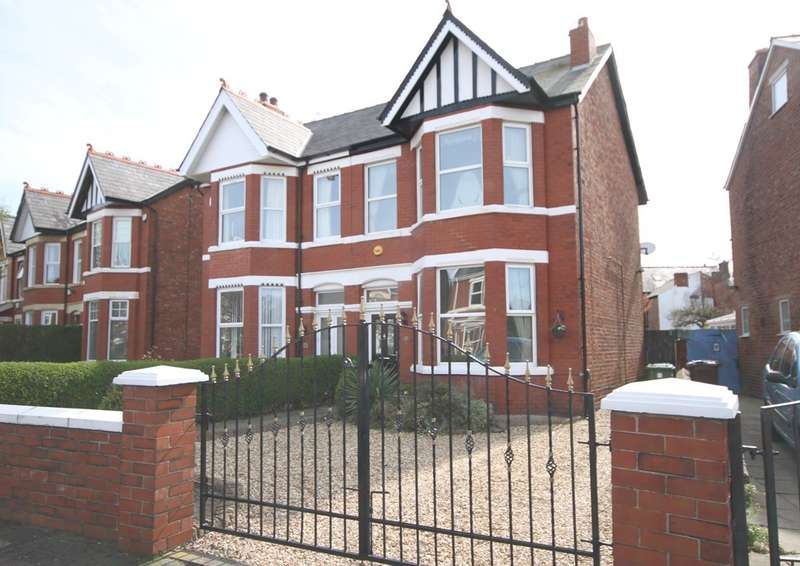 3 Bedrooms Semi Detached House for sale in Cypress Road, Southport