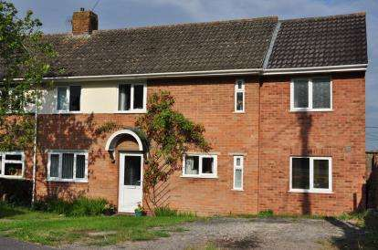 4 Bedrooms Semi Detached House for sale in Shrewton, Salisbury, Wiltshire
