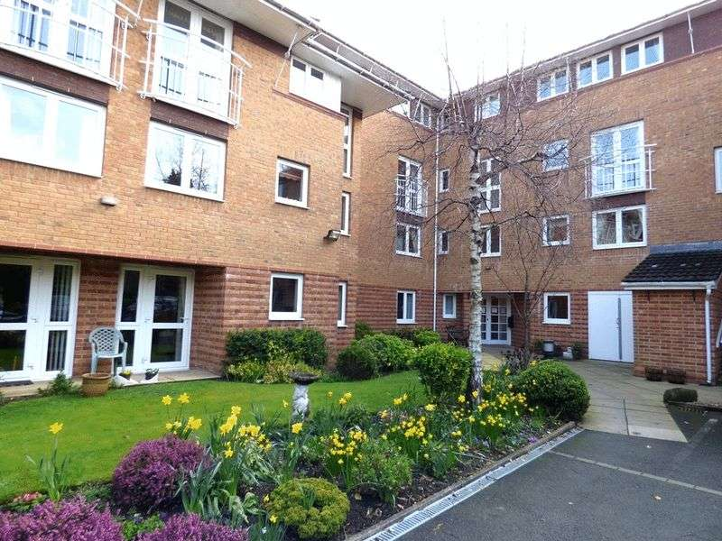 2 Bedrooms Flat for sale in Clarence Court, Bare