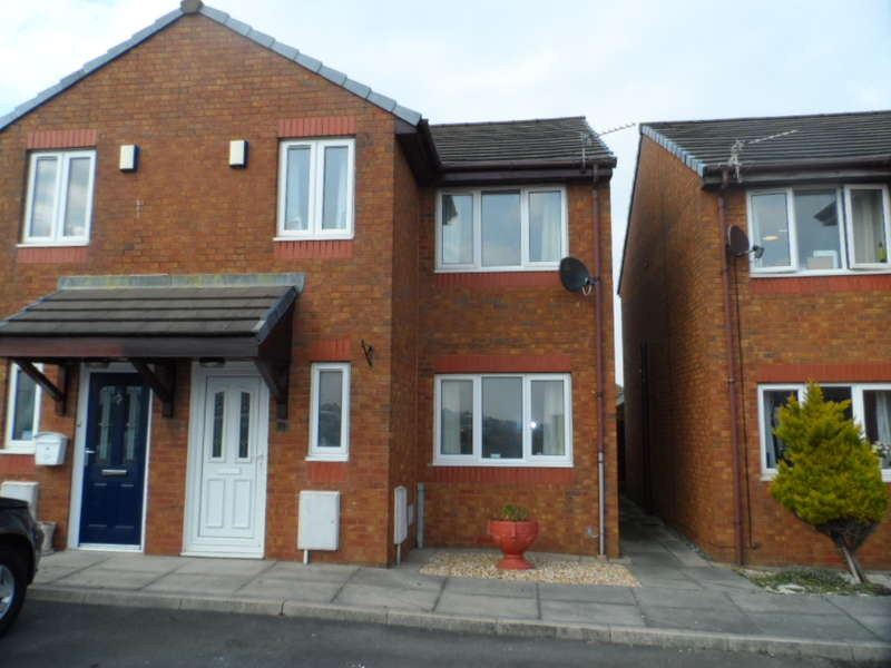 3 Bedrooms Semi Detached House for sale in Warren Grove, Cleveleys, FY5 3TX