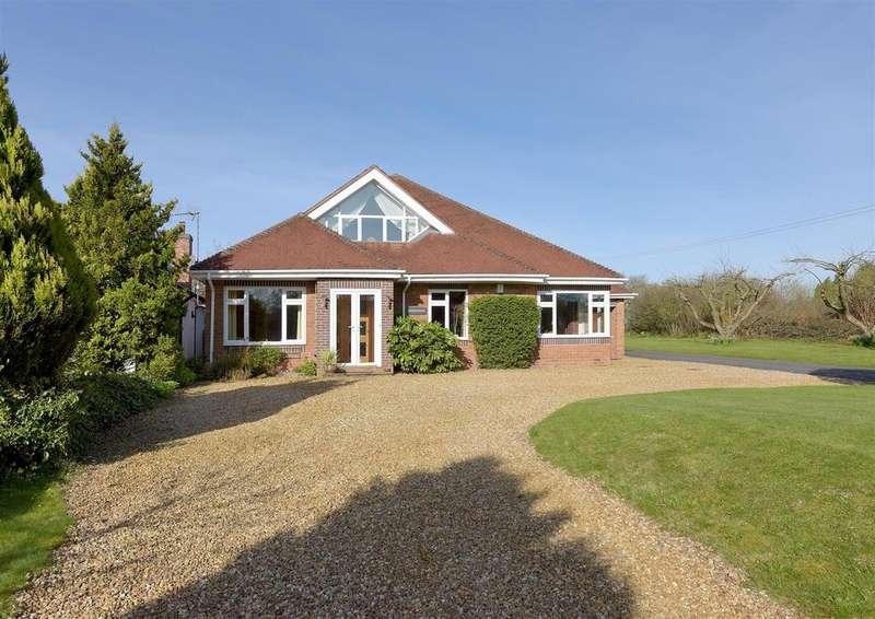 4 Bedrooms Detached House for sale in Bromsgrove Road, Clent, Stourbridge