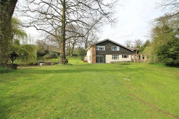 5 Bedrooms Detached House for sale in Five Locks Road, Pontnewydd, CWMBRAN, Torfaen