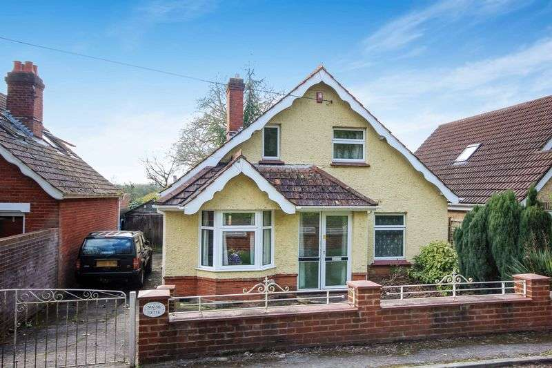 3 Bedrooms Detached House for sale in MARSHMEAD CLOSE, CLARENDON, SP5