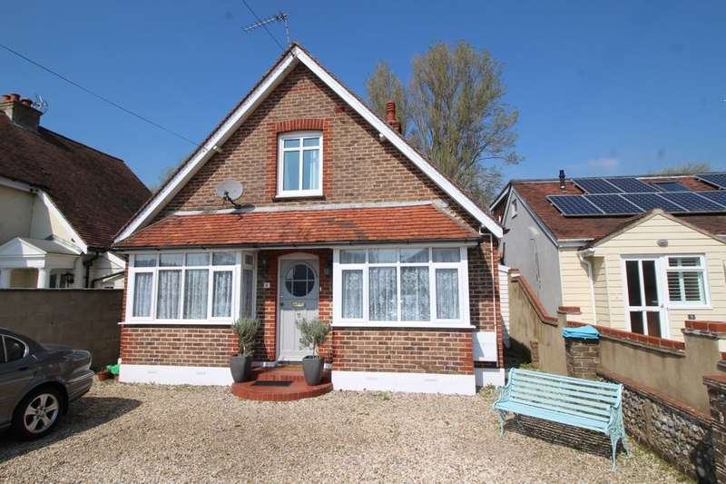 4 Bedrooms Detached House for sale in Hewarts Lane, Bognor Regis, PO21