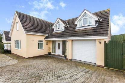 3 Bedrooms Detached House for sale in Exmouth, Devon