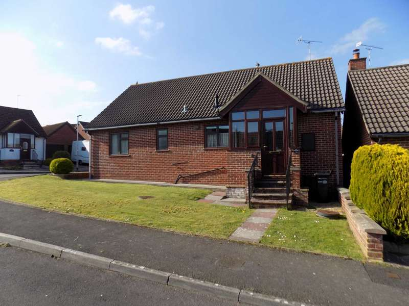 3 Bedrooms Detached Bungalow for sale in Kinforde, Chard