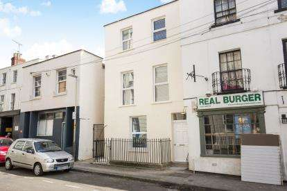 1 Bedroom Flat for sale in Grosvenor Street, Cheltenham, Gloucestershire