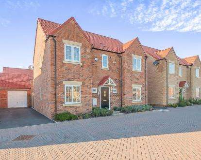 4 Bedrooms Detached House for sale in Magnus Close, Cardea, Peterborough, United Kingdom