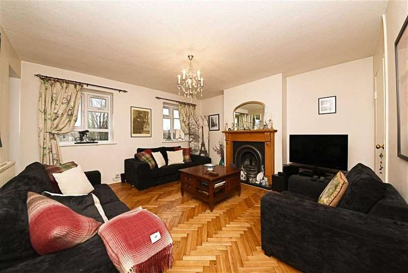 3 Bedrooms Property for sale in High Road, North Finchley, London, N12