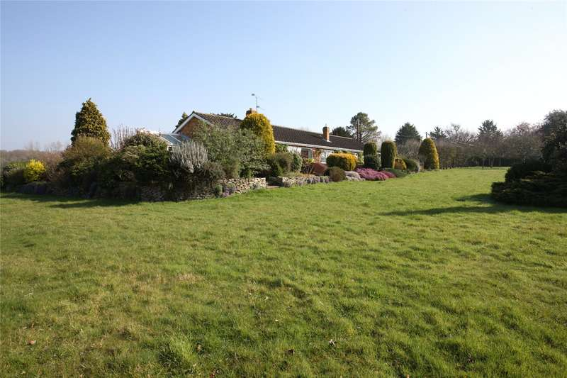 3 Bedrooms House for sale in Poyle Road, Tongham, Farnham, Surrey, GU10