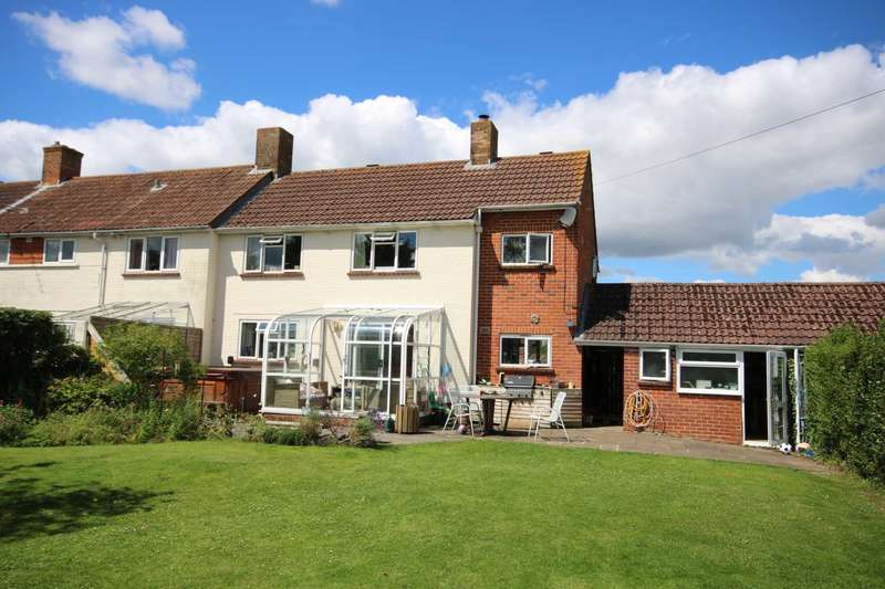 3 Bedrooms Semi Detached House for sale in BH21 Churchuill Close, Sturminster Marshall