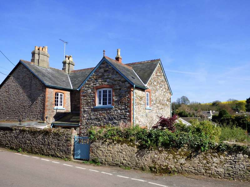 4 Bedrooms Semi Detached House for sale in Stoke Gabriel Road, Galmpton