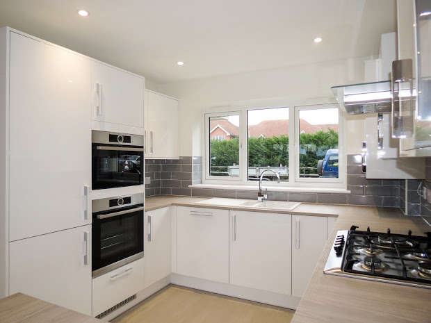 4 Bedrooms Detached House for sale in HAILSHAM, East Sussex, BN27