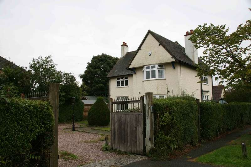 4 Bedrooms Detached House for sale in the avenue, old windsor, Berkshire, SL4