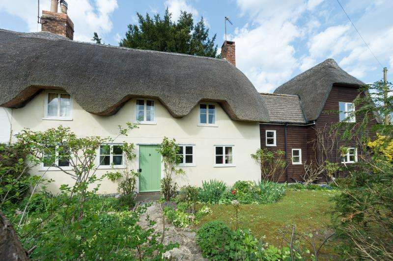 4 Bedrooms Semi Detached House for sale in Red Lion Cottages, Northmoor, Witney