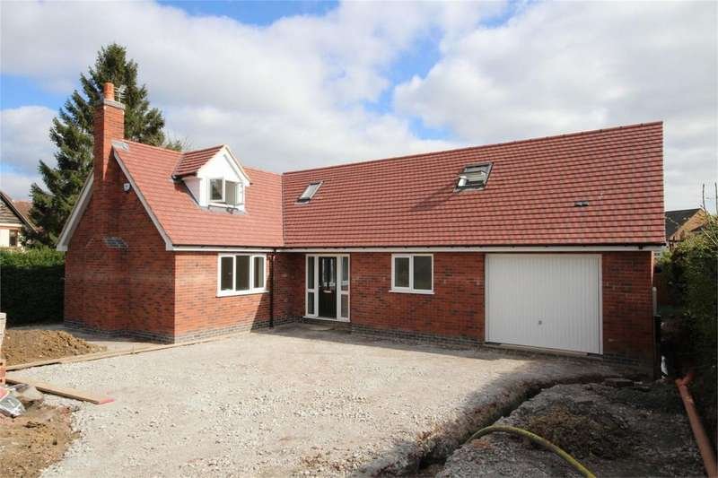 4 Bedrooms Detached House for sale in Spa Close, Hinckley, Hinckley, Leicestershire