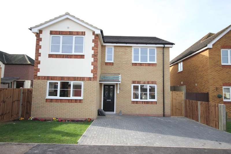 4 Bedrooms Detached House for sale in Nicholls Close, Barton Le Clay, MK45