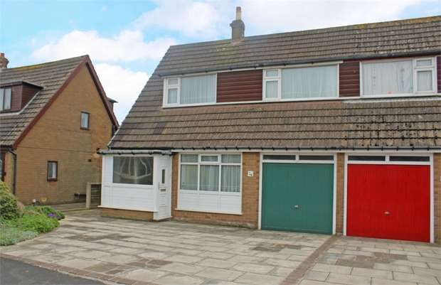 3 Bedrooms Semi Detached House for sale in Bleasdale Avenue, Staining, Blackpool, Lancashire