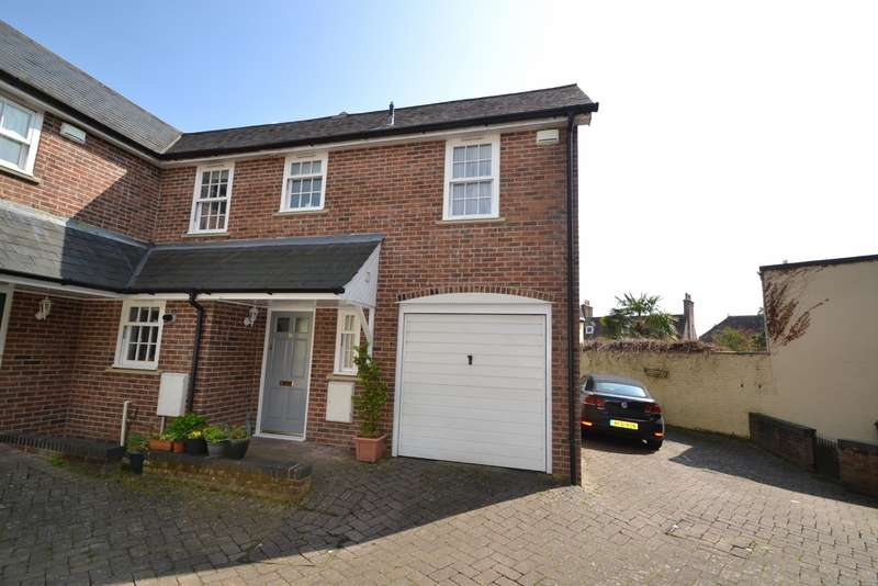3 Bedrooms Semi Detached House for sale in Blandford Town Centre