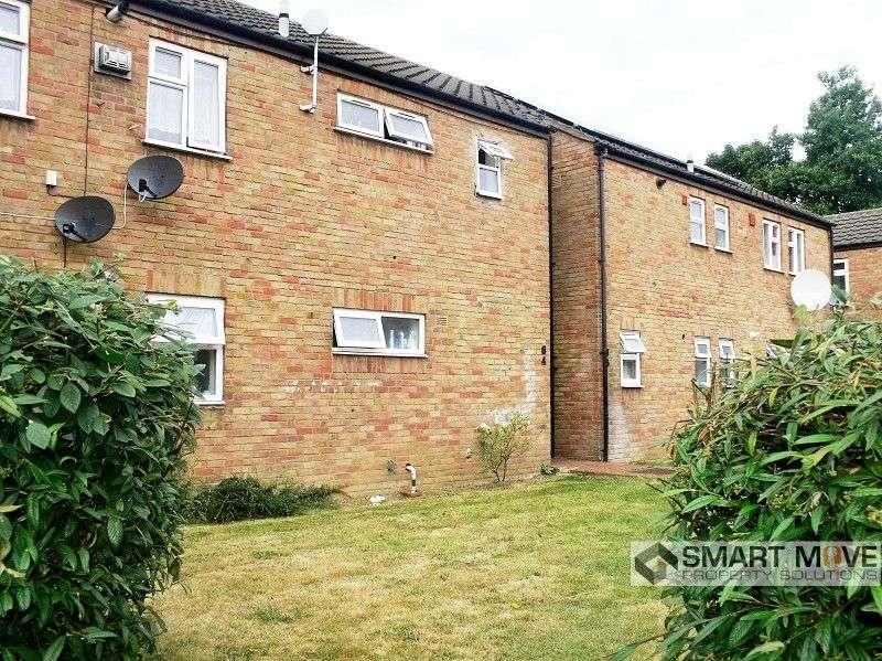2 Bedrooms Ground Flat for sale in Cobden Street, Peterborough, Cambridgeshire. PE1 2HD