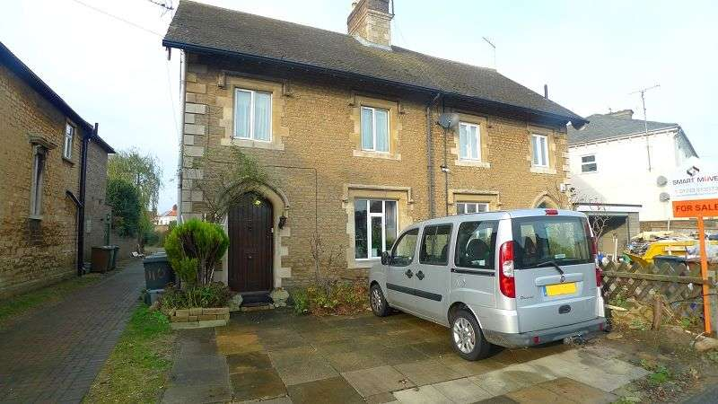 3 Bedrooms Semi Detached House for sale in London Road, Peterborough, Cambridgeshire. PE2 9BY