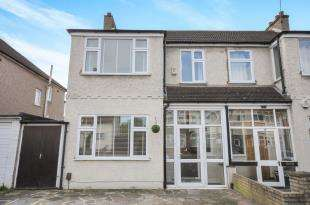 3 Bedrooms Semi Detached House for sale in Gundulph Road, Bromley