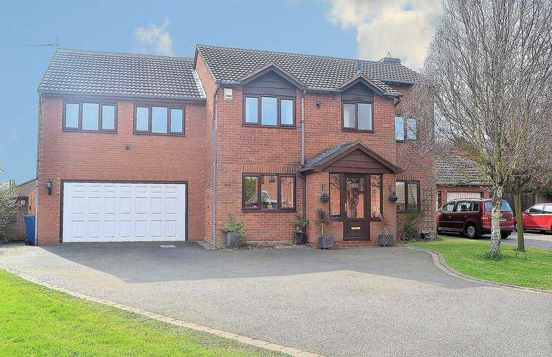 5 Bedrooms Detached House for sale in Grosvenor Close, Lichfield