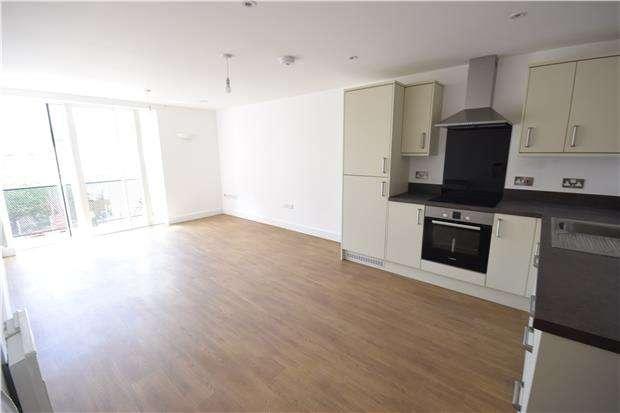 2 Bedrooms Flat for rent in Coronation Road, Bristol, BS3