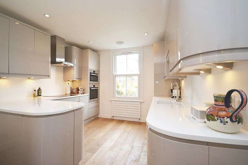 3 Bedrooms Flat for sale in Cathles Road, London