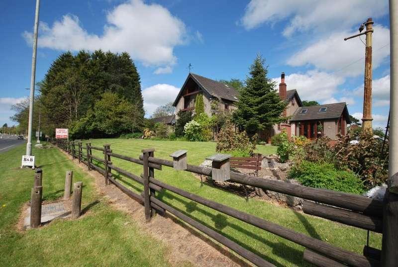 6 Bedrooms Detached House for sale in Lower Lane, Freckleton, Preston, Lancashire, PR4 1TS