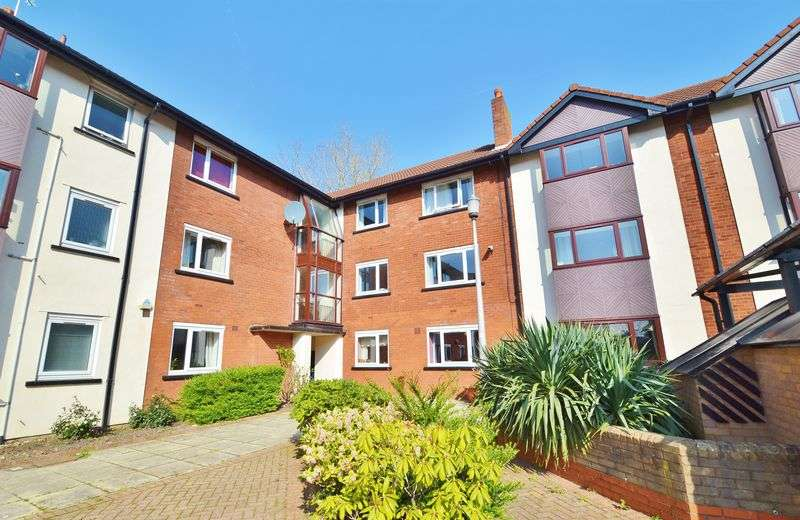 3 Bedrooms Flat for sale in Canterbury Gardens, Salford