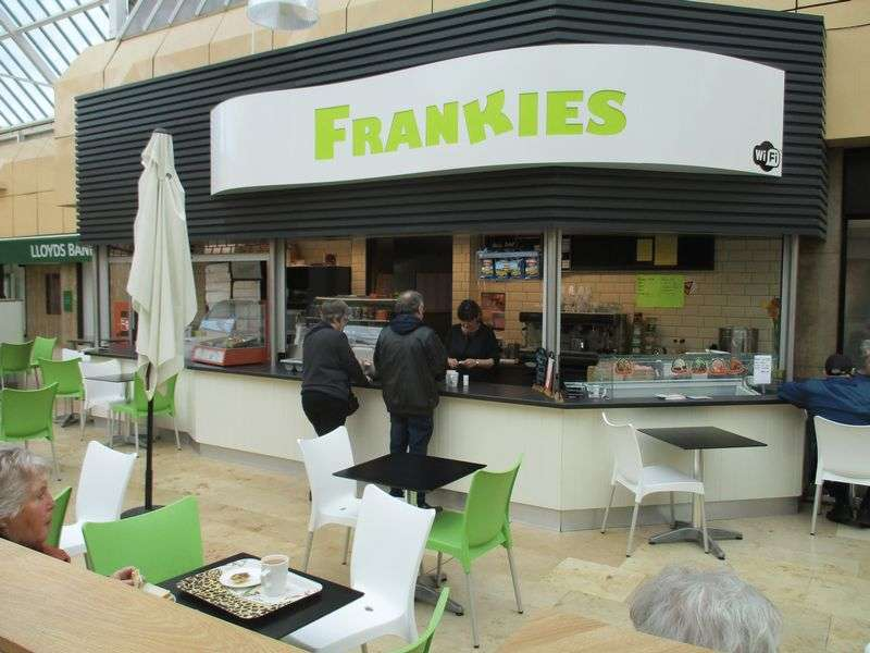 Property for sale in Superb leasehold cafe