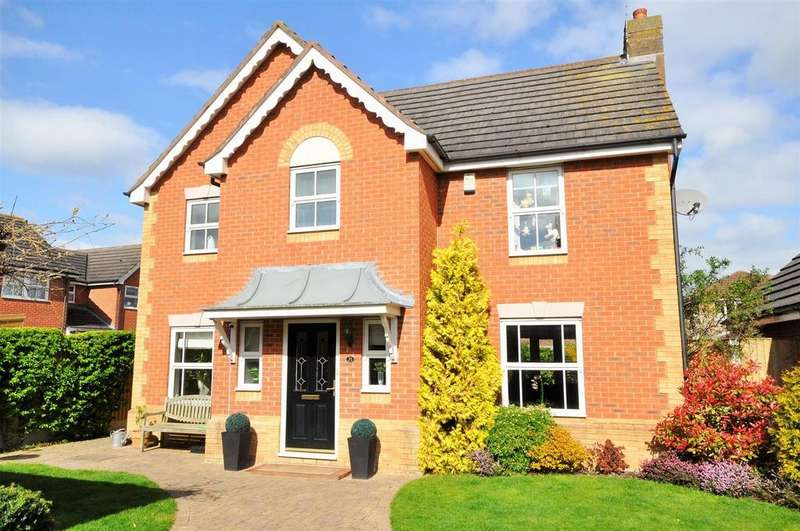 4 Bedrooms Detached House for sale in Landalewood Road, Clifton Moor, York