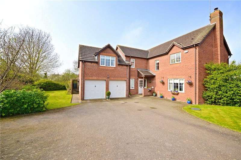 4 Bedrooms Detached House for sale in Coniston Close, Higham Ferrers, Rushden, Northamptonshire
