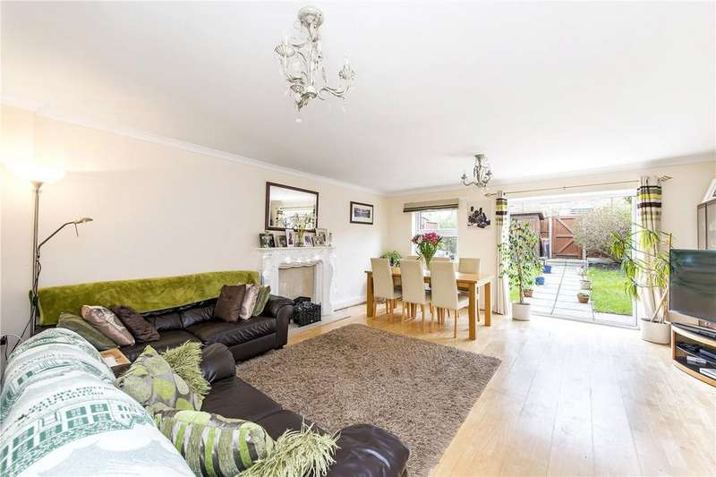 4 Bedrooms Terraced House for sale in Craster Road, London, SW2