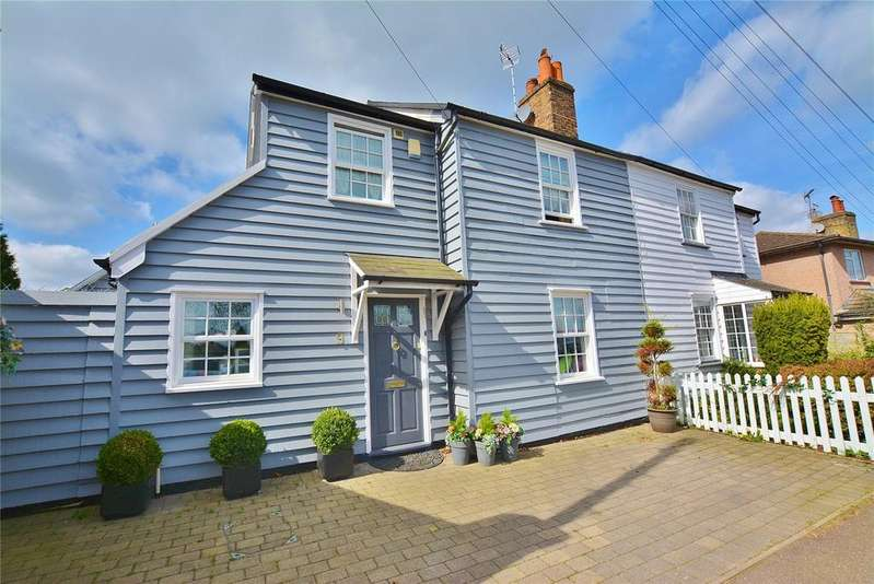 4 Bedrooms Semi Detached House for sale in The Rutts, Bushey Heath, Bushey, Hertfordshire, WD23