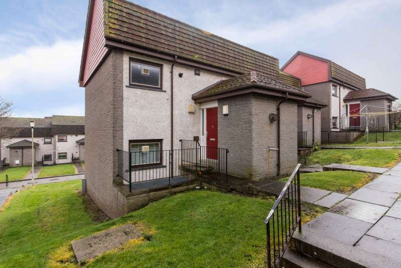 1 Bedroom Flat for sale in Farquhar Brae, Torry, Aberdeen, AB11 8SS